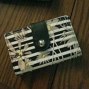 Cute nwot wallet